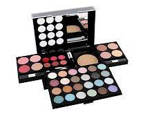 Make-up kit Makeup Trading All You Need To Go 38 g Confezione regalo